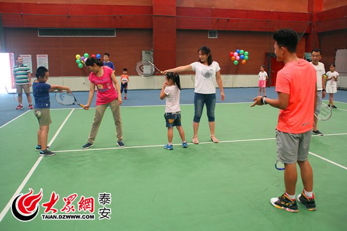 v力量青少年体育运动成都力量图片又添网球泰安大悦城攀岩馆新军图片
