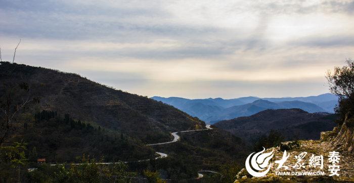 中国绝美山间公路竟然在泰安!